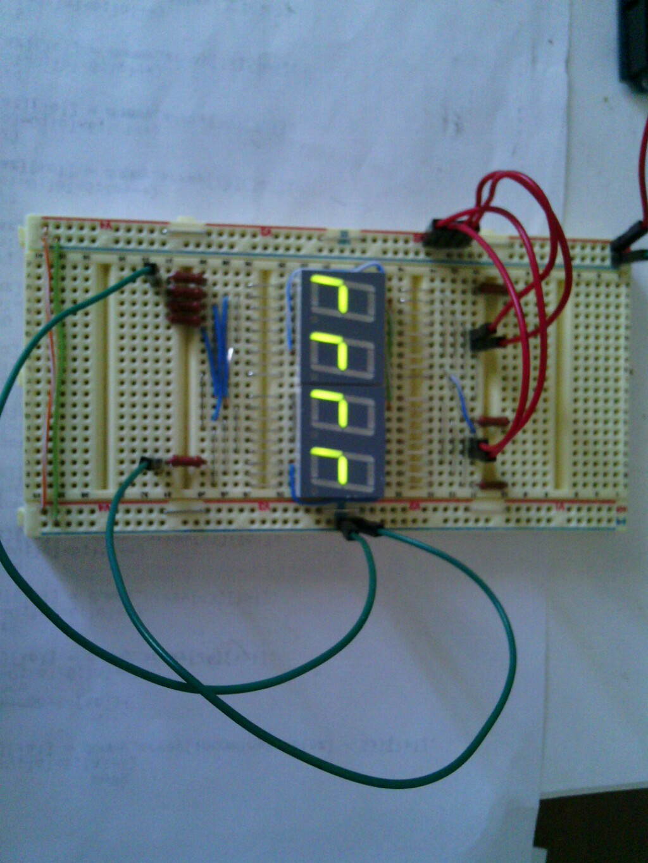 схема напряжения на светодиодном индикаторе